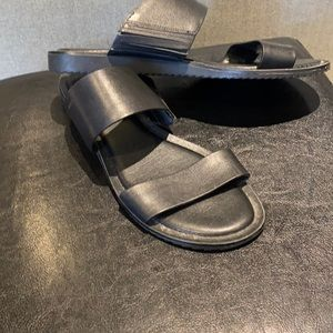 Michael Kors black dbl band sandals size 38.5